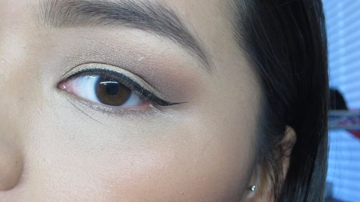 subtle winged eyeliner tutorial